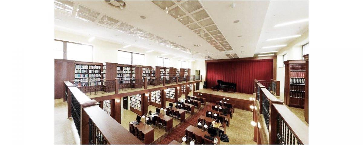 Przebudowa kina na bibliotekę 10/2005